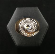 1960s - 14-kt Gold Ring with Central Diamond Rosette (0.10 ct) and Side Diamonds (Approx. 0.52 ct)