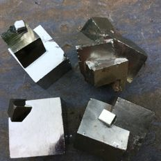 Four beautiful pyrite clusters from Navajun with 2 to 7 pyrite cubes - 3 to 5 cm - 359 g (4)