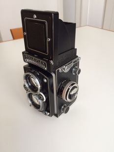 ROLLEIFLEX 3.5f + leather case and original packaging