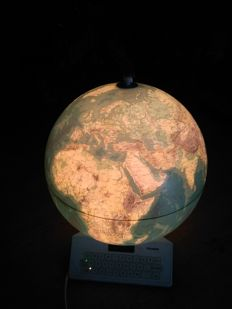 Stellanova. Big-electronic-backlit globe-made in Non-empty. Diameter ca 40cm.