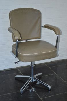 Unknown designer - Space age Propeller base Tanker Office chair