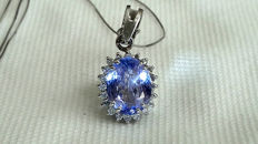 Gold necklace, 18 kt white gold with tanzanite, 2.16 ct, and diamonds for 0.20 ct ***No Reserve***