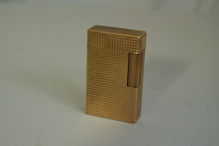 Beautiful S.T Dupont lighter guilloche golden metal