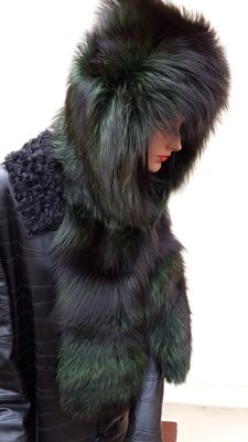 Green fox fur hood/hat (Made in Italy)