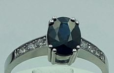 18 Ct White Gold  Natural Sapphire and Diamond Ring, Total 2.89g, size 18mm, sapphire :1.65Ct