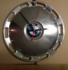 BMW hubcap clock