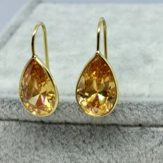 18kt Yellow Gold Tear Drop Peach Earrings-2.9gs