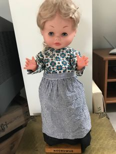 Large collection of dolls from inheritance