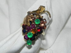 Grapes, antique cocktail ring, 14 kt/585 gold with ruby, chrysoprase, citrine and sapphire