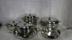 Set of 5 steel pots and 1 pan with brass handles and 4 lids,  Sambonet
