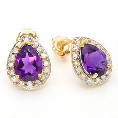 14K Gold stud earrings with 2.11 cts Amethyst and 0.21 cts Diamond, Size 9.5 x 11.5 mm ***No reserve price***