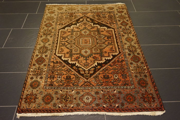 Unique old Persian carpet, Bijar, best wool, natural dyes, made in Iran, 103 x 150 cm