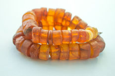 Antique Baltic Amber necklace old honey butterscotch egg yolk colour, 62 gram