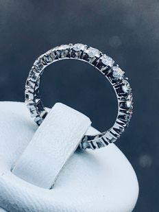 American wedding ring in 18 kt white gold and 1.32 ct of Top Wesselton diamonds – Size 48 / 15.42 mm