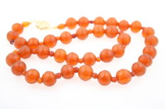 Old amber faceted amber necklace with 585/000 gold clasp (14 kt)