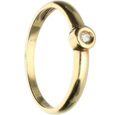 14 kt - Yellow gold ring set with brilliant cut diamond of approx. 0.04 ct - Ring size: 17 mm