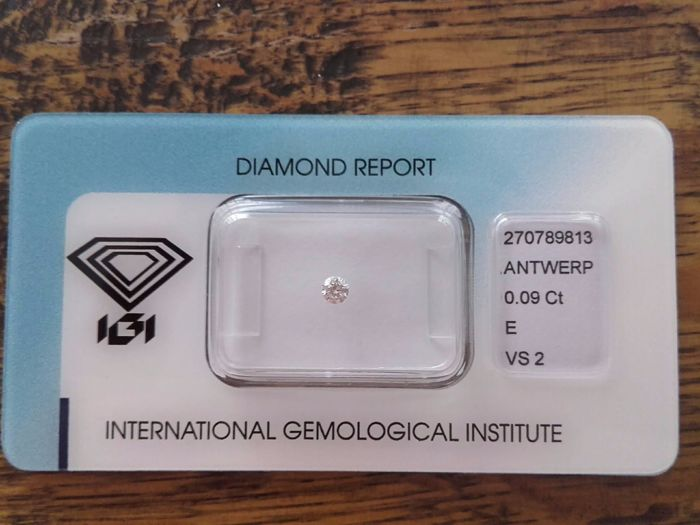 0.09 ct diamond, brilliant cut, E, VS2