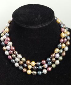 Long necklace composed of baroque, multicolour and freshwater cultured pearls - Length: 130 cm