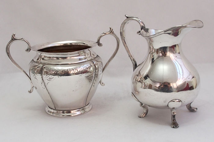 Silver Plated Jug And Sugar Bowl Harrison Fisher, England - Late 19th Century