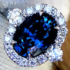 Sapphire Ring Cocktail Diamond And Unheated Blue Sapphire Gemstone in 18 kt white gold 2.44 ct Size 6.5 – Certified – No Reserve Price