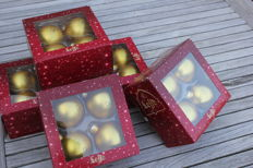 LEFFE - 20 Golden Christmas baubles (Christmas group, Nativity scene, Christmas decoration)