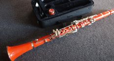Plastic orange clarinet Böhm system with case, specially made for the Netherlands in limited edition