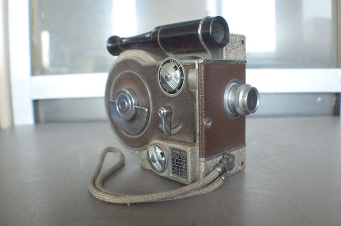 Revere model 70 Magazine movie camera from 1947
