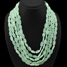 Necklace with five strands of green aquamarine
