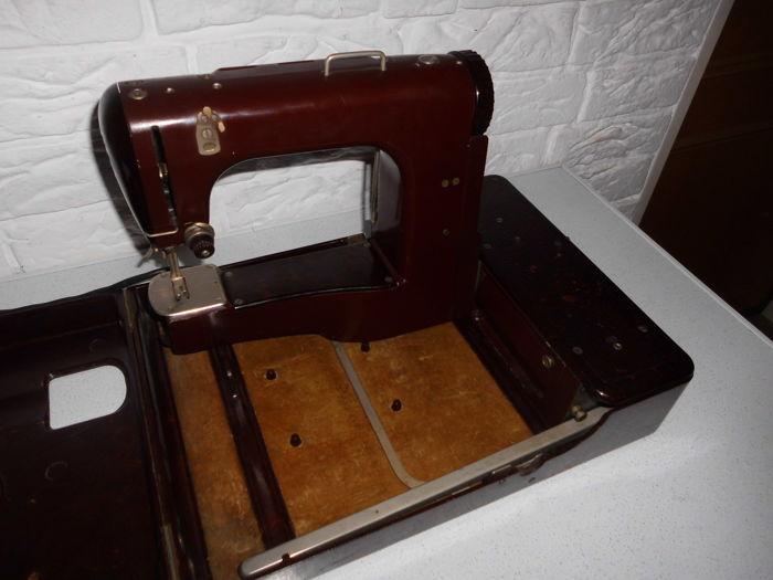 Sewing machine Freia, Mewa, Bakelite version, the world's first free-arm sewing machine in a case with an integrated work lamp, Germany, mid 20th century