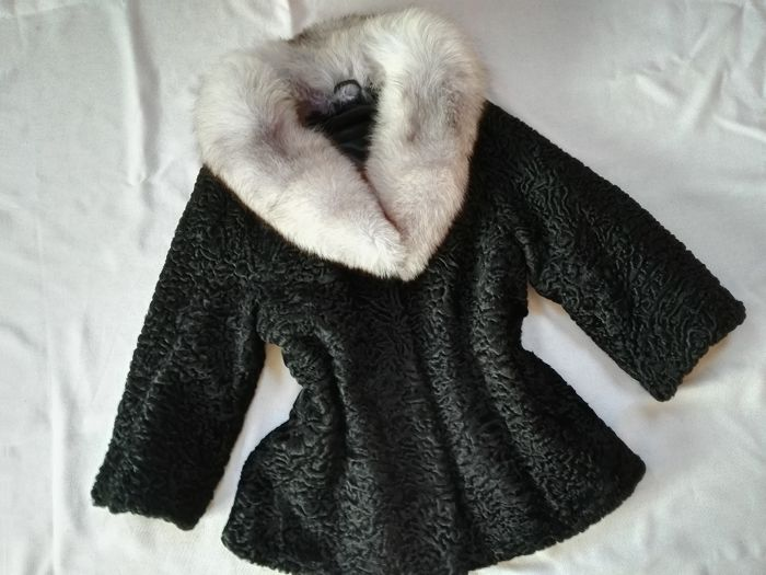 Astrakhan and fox fur coat / no minimum price