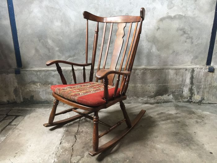 Vintage oak rocking chair with pillow, mid 20th century