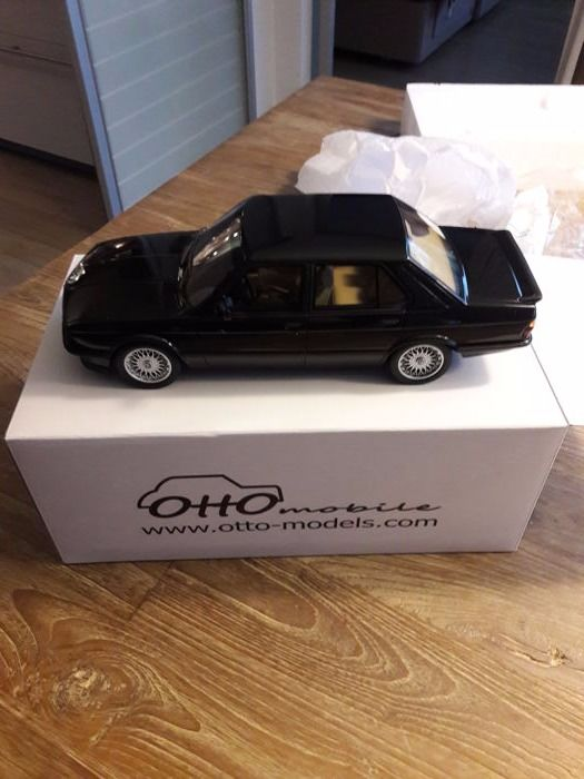 Otto Mobile - Scale 1/18 - BMW M5 E28 - Black