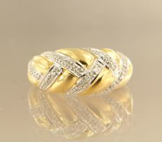 18 kt bi-colour gold ring with 12 single cut diamonds, approx. 0.06 carat in total, ring size 16.5 (52)