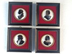 Four hand-painted Verres Eglomisé - Silhoutte paintings - second half 20th century