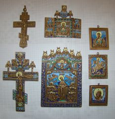 2 crosses and 5 orthodox icons made of brass