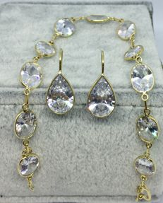 18kt Yellow Gold and Bracelet and Earrings-19.5cm