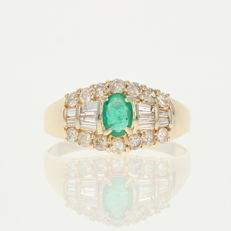Emerald with Diamond ring NO reserve price!