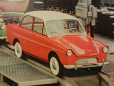 DAF Passenger vehicles archive with pictures/cuttings, advertisements, road tests and pins from 1958 to 1968