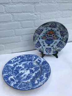 Delft earthenware - Two large plates