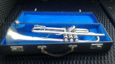 Lark Trumpet with original case blue Lining