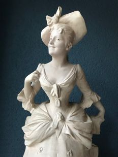 Georges Van der Straeten (1856 - 1928) - beautiful ceramic sculpture of a young woman. - France - late 19th century