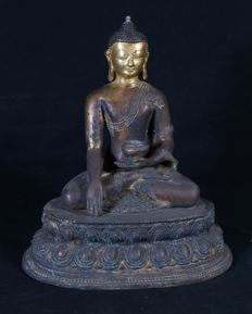 Nepalese Buddha made of bronze - Nepal - 21st century