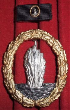 Germany War badge for minesweeper, anti-submarine hunting and security associations Version from 1957. With a field clasp.