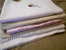Lot of vintage household linen