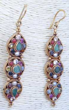 Navaratna marriage Earring 22K and gemstones- Nepal - 2nd or end of XXth century