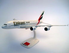 "Airbus A380-800  ""Emirates"" (A6-EEP) World's largest passenger airliner"