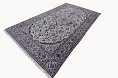 Very fine authentic Nain Persian carpet 3.90 x 2.24 hand-knotted oriental carpet with silk cream top quality
