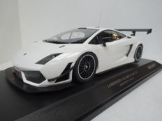 Minichamps - Scale 1/18 - Lamborghini Gallardo LP600+ GT3 - White