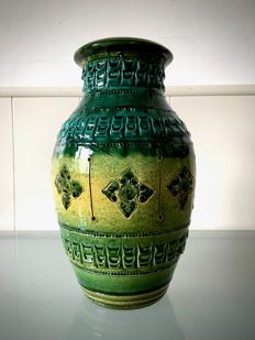 Nuovo Rinascimento - Bitossi style vase with relief decoration and floral elements