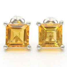 14K Gold stud earrings with 2.38 ct Golden Yellow Citrine  - Size 7.2 x 7.3 mm